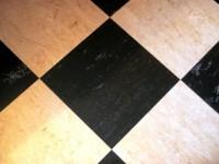pavimento piastrelle